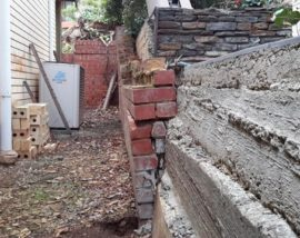 Concrete-retaining-wall-laid-incorrectly